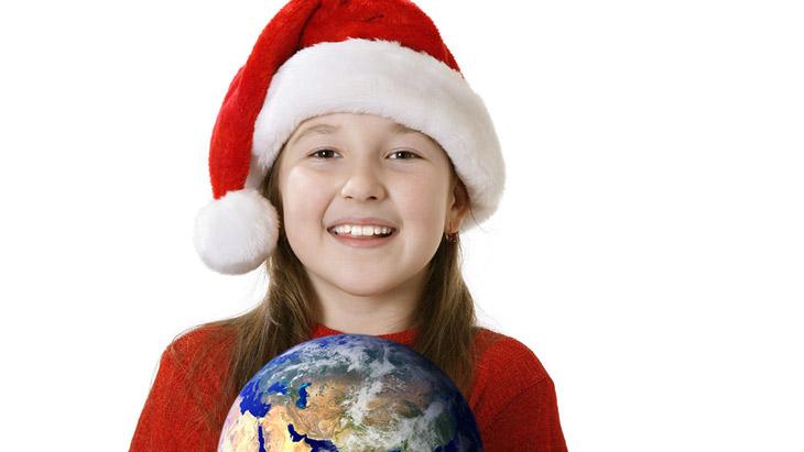 Mädchen mit Weihnachtsmütze, Foto: Viorika iStockphoto.com